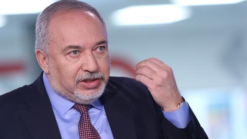 אביגדור ליברמן באולפן ynet